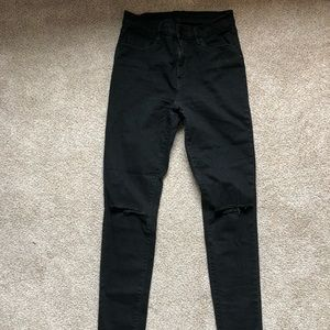 Urban BDG Twig high rise ripped jeans size 28